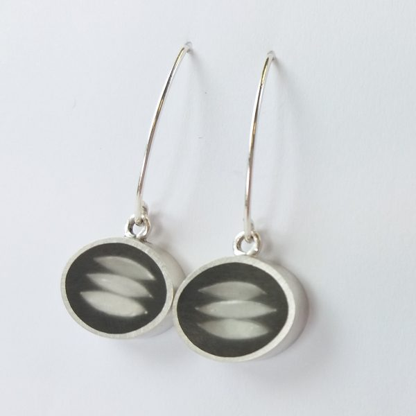 Round silver earrings filled with resin set with silver leaves, drop earrings