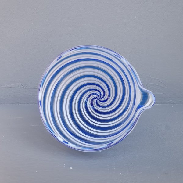 Glass pouring bowl