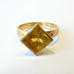 9ct gold ring with square yellow beryl and four tiny diamonds